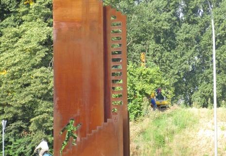 skulptur-aus-cortenstahl